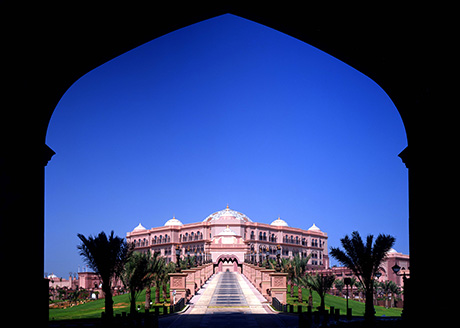 The Emirates Palace Hotel and Conference Centre, Abu Dhabi. Lighting Consultant: Lighting Design International, DHA Lighting Architect: Wimberley Allison Tong and Goo